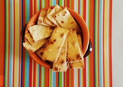 Cracker integrali speziati cotti in padella